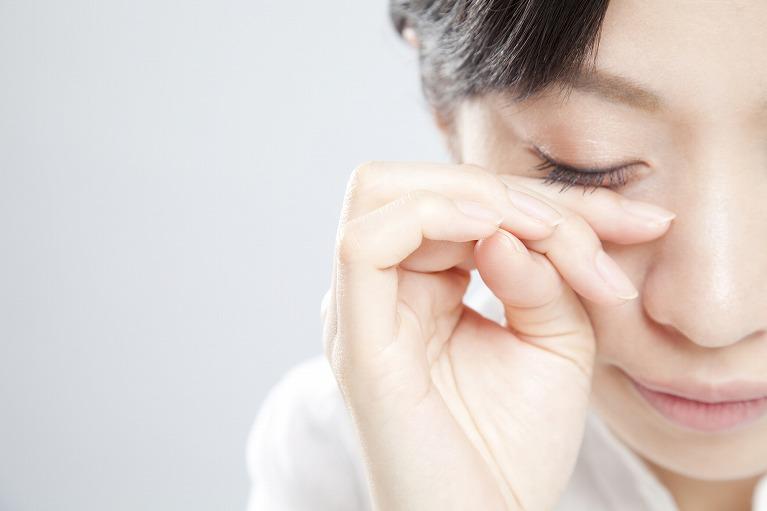 目の痛み・異物感がある睫毛内反症(さかまつ毛)・眼瞼内反症