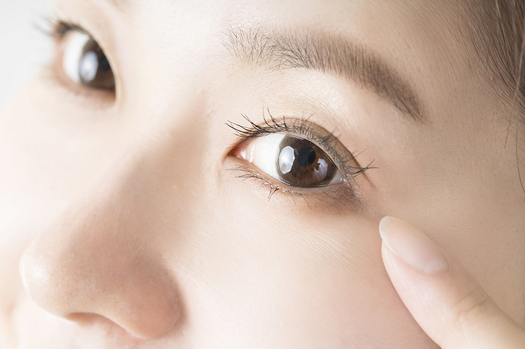 まぶたが重く目が開かない眼瞼下垂