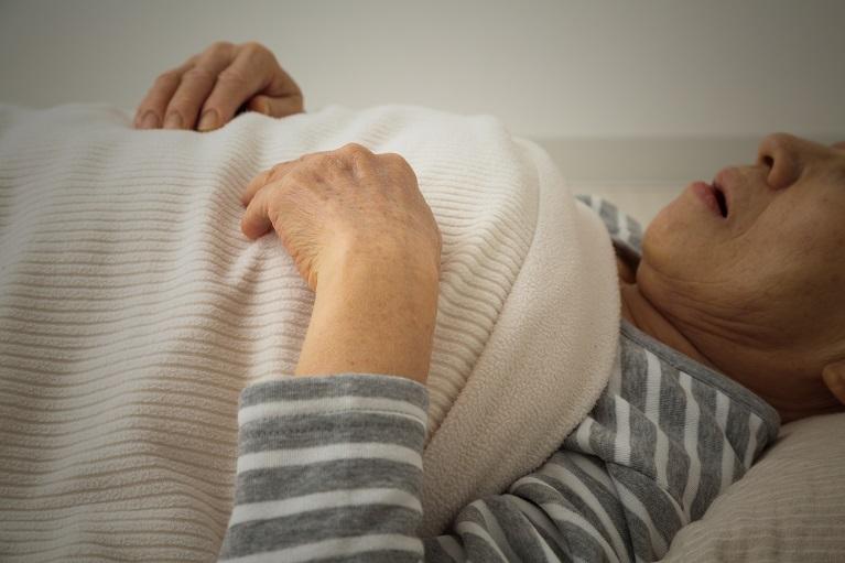 睡眠時無呼吸症候群でお悩みの方へ